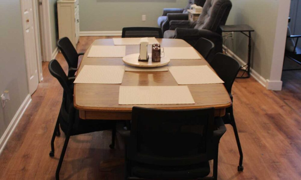 dinning room sitting